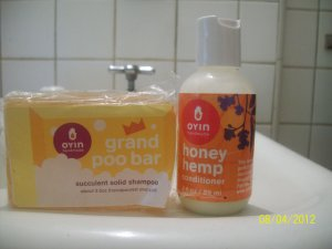 My First Impressions of Oyin Handmade's GrandPoo Bar & Honey Hemp Conditioner